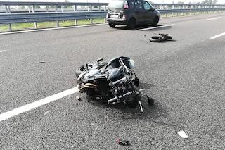 Incidente sull'autostrada Napoli-Salerno: muore motociclista di 48 anni, traffico in tilt