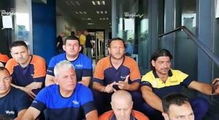 """Continua la protesta degli operai Whirlpool di Napoli: """"Siamo ancora senza lavoro"""""""
