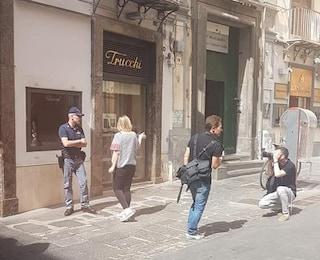 Napoli, rapinata la gioielleria Trucchi a Chiaia: la banda del buco colpisce ancora