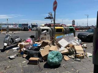 Napoli è sporca? Colpa anche di ristoranti, friggitorie, pizzerie. Il Comune finalmente se n'è accorto