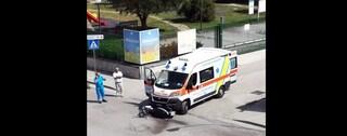 Succivo, scontro tra uno scooter ed un'ambulanza nei pressi del Parco Jumanji: un ferito
