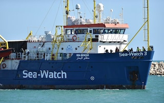 "Sea Watch 3, de Magistris scrive al comandante Carola Rackete: ""Grazie"""