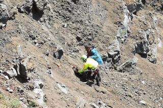 Cade nel cratere del Vesuvio, salvato dagli elicotteri del soccorso alpino