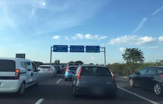 Incidente sull'Asse Mediano, code in uscita e traffico in tilt tra Caserta ed Acerra