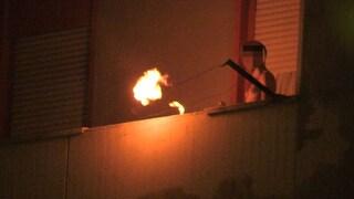 Monterusciello, barricato in casa con bombola di gas: blitz dei reparti speciali dopo 27 ore