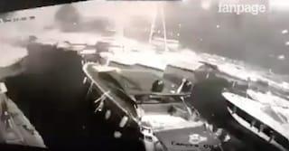 Fuochi d'artificio a Castel dell'Ovo: danni alle barche ormeggiate al Borgo Marinari
