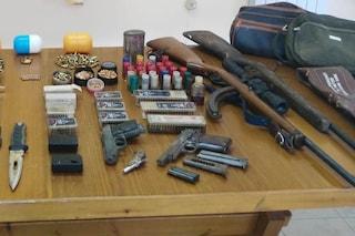 Benevento, arrestato un agricoltore: in casa e nella stalla nascondeva un arsenale
