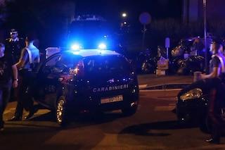 Casoria, spacciatore butta la droga ma cade dal motorino, preso dai carabinieri