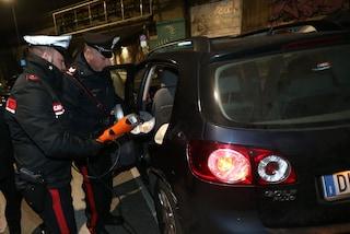 In tre su uno scooter, minorenni, ubriachi e contromano, speronano i carabinieri