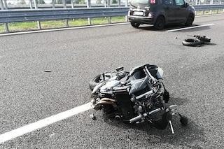 Incidente tra moto e taxi sull'autostrada A16 Napoli-Canosa: un ferito grave