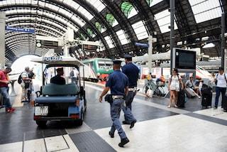 Piazza Garibaldi, rapinatore aggredisce una ragazza, linciato dai passanti