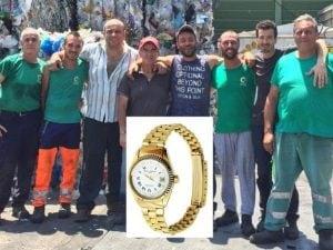 I netturbini che hanno ritrovato l'orologio d'oro (Foto: Pozzuoli21.it)