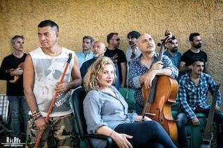 Strativari: Capone e BungtBang, Solis String Quartet e Iaia Forte raccontano le anime di Napoli
