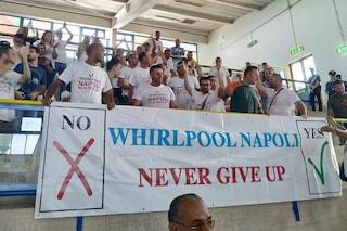 """Universiade, lavoratori Whirlpool durante il match di basket: """"Napoli non molla"""""""