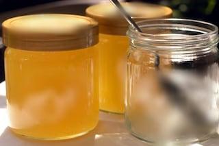 """Battipaglia, sequestrati oltre 7mila vasetti di miele: """"Etichette false"""""""
