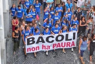 """Bacoli in piazza dopo le minacce al sindaco Josi Della Ragione: """"Un corteo commovente"""""""
