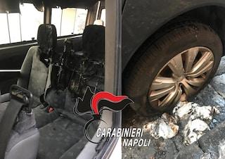 Incendia rifiuti e auto e picchia il carabiniere che voleva fermarlo: un arresto a Ercolano