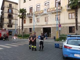 Tre bombole di gas esplodono nel palazzo vescovile di Avellino, tre feriti: fermato un sospetto