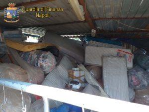 Una parte dei rifiuti speciali sequestrati dalla Guardia di Finanza a Volla, nel Napoletano.