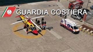 Sta per partorire: turista incinta portata da Ischia a Castellammare in elicottero