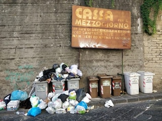 """Rifiuti a Napoli, Asia: """"Duro lavoro per evitare l'emergenza"""""""