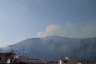 Bruciano ancora i Camaldoli, secondo incendio in meno di 24 ore a Napoli