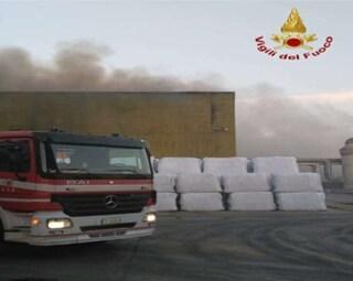 Benevento, incendio di rifiuti allo Stir di Casalduni