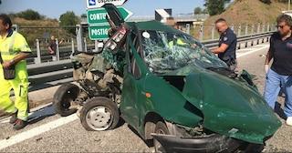 Incidente sull'Autostrada A2, auto tamponata da un camion: grave una coppia
