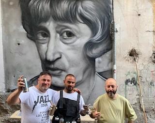Ecco Totò-Lola: ai Quartieri Spagnoli un altro murales del Principe della Risata