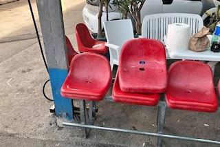 Allo stadio Landieri di Scampia i vecchi sediolini del San Paolo