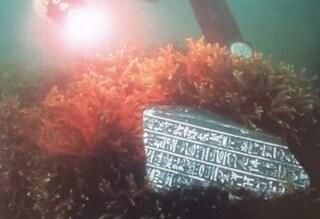 Incredibile scoperta nel porto di Pozzuoli: ritrovata una statua egizia