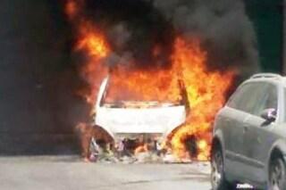 Grumo Nevano, litiga con la vicina di casa e le brucia l'auto: arrestato
