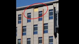 Ospedale del Mare, si staccano i pannelli dalla facciata esterna