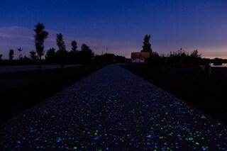 La bellissima eco-pista ciclabile che si illumina di notte è in provincia di Caserta