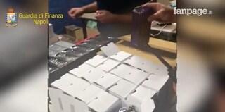 A Melito la centrale dei profumi contraffatti: sequestrate quasi mille confezioni