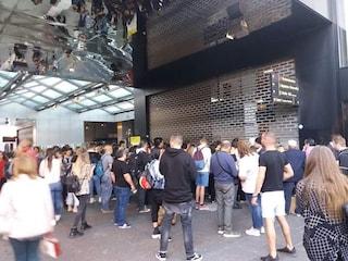 Linea 1, chiusa la stazione di Garibaldi: centinaia di utenti a piedi
