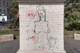 Napoli, sfregiata la statua dell'Imperatore Ottaviano Augusto di via Cesario Console