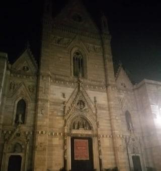 """Il Duomo di Napoli si """"accende"""" solo a San Gennaro: nel resto dell'anno è completamente al buio"""