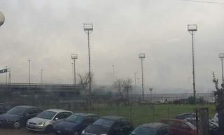 """Gli studenti del Ferraris di Scampia: """"Fumi tossici e vandali, siamo reclusi a scuola"""""""