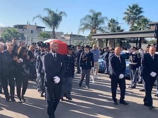 Folla e commozione ai funerali di Pierluigi Rotta, poliziotto ucciso a Trieste