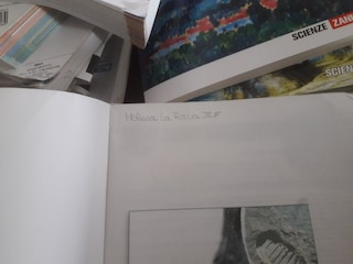 Studentessa morta a Salerno, il papà di Melissa dona i suoi libri alla biblioteca scolastica