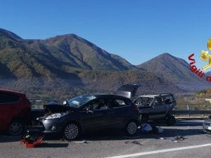Le automobili coinvolte nell'incidente sull'Ofantina.