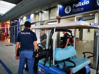Napoli, furti di bagagli in Stazione Centrale: viaggiatori derubati mentre fanno colazione