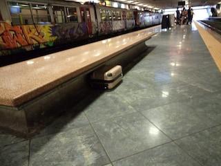 Allarme bomba in piazza Garibaldi, bloccati treni Circum. Ma è un falso allarme