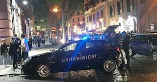 Napoli, fugge all'alt dei carabinieri e si schianta dopo inseguimento: arrestato 23enne