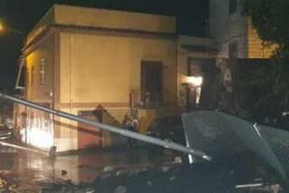 Maltempo nel Napoletano: crolla il muro di un parcheggio a Trecase, allagamenti a San Giorgio