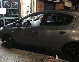 Omicidio a Miano, uomo ucciso a colpi di pistola nella sua auto