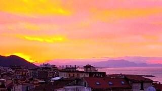 Salerno, l'alba è spettacolare: la foto del sindaco fa il giro del web
