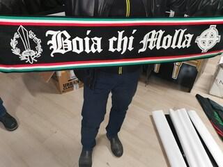 Scontri prima di Nocerina-Foggia e simboli nazifascisti allo stadio: Daspo per gli ultras