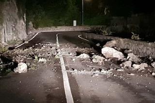 Positano, chiusa la statale Amalfitana: caduti massi sulla carreggiata